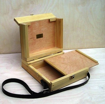 Abbey easels_compact pochade box_BluePatch
